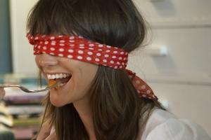 blindfold_taste_test